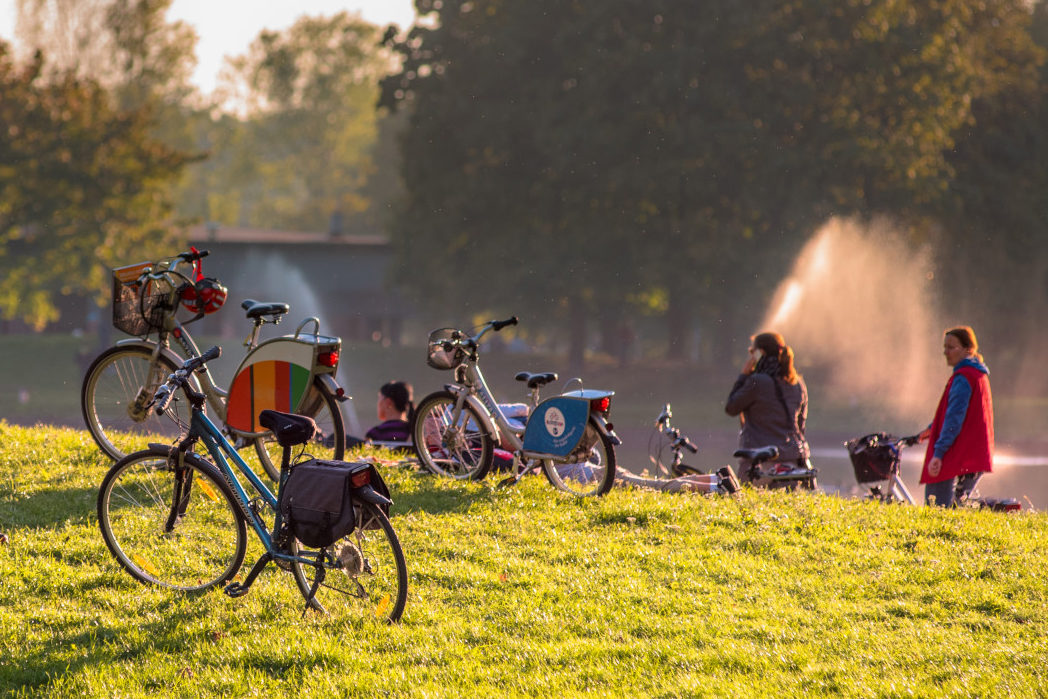 Discover Warsaw on bike